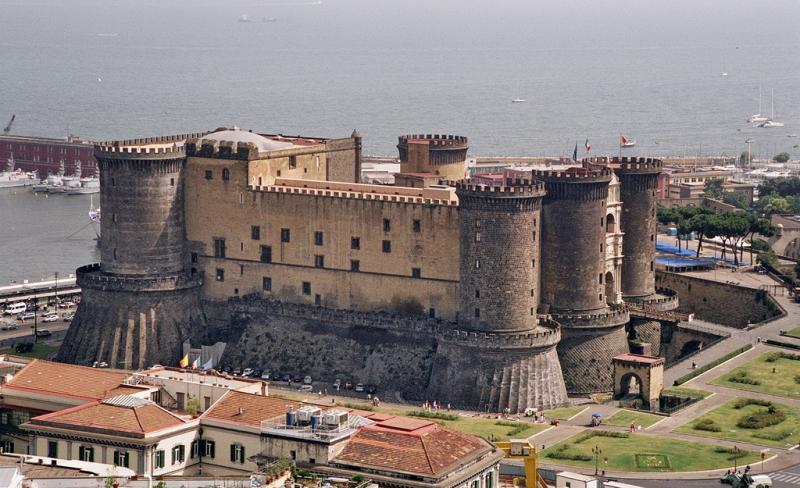 Castel Nuovo / Maschio Angioino