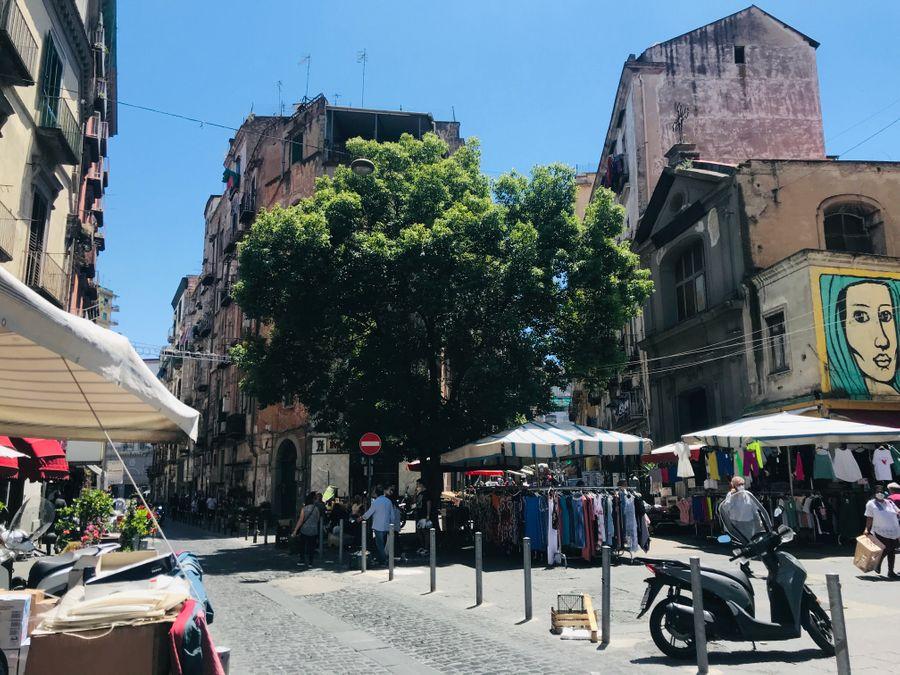 Borgo dei vergini markt napels