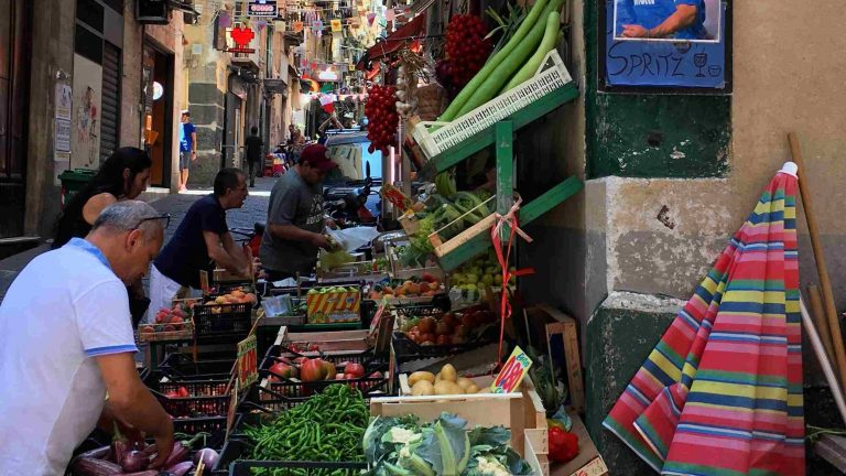 markt in napels