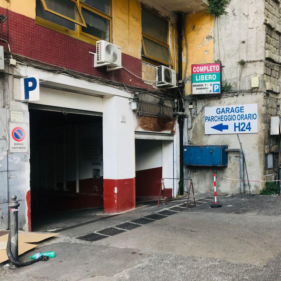 parkeergarage cavour in napels
