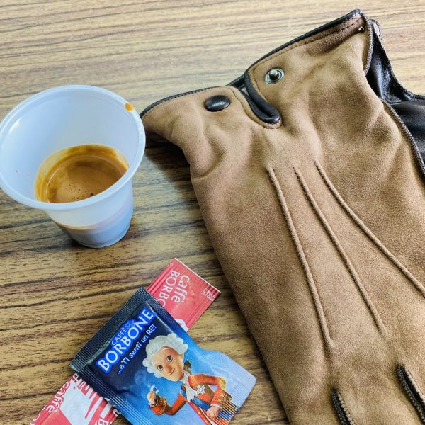 Gemaakt in Napels: leren handschoenen uit Rione Sanità