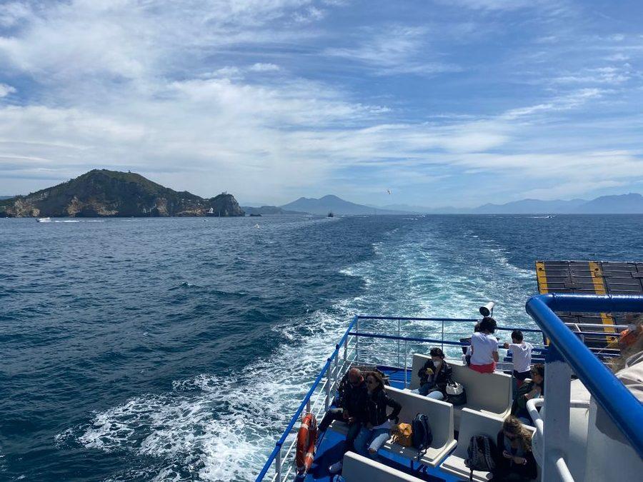 Ferry naar Ischia
